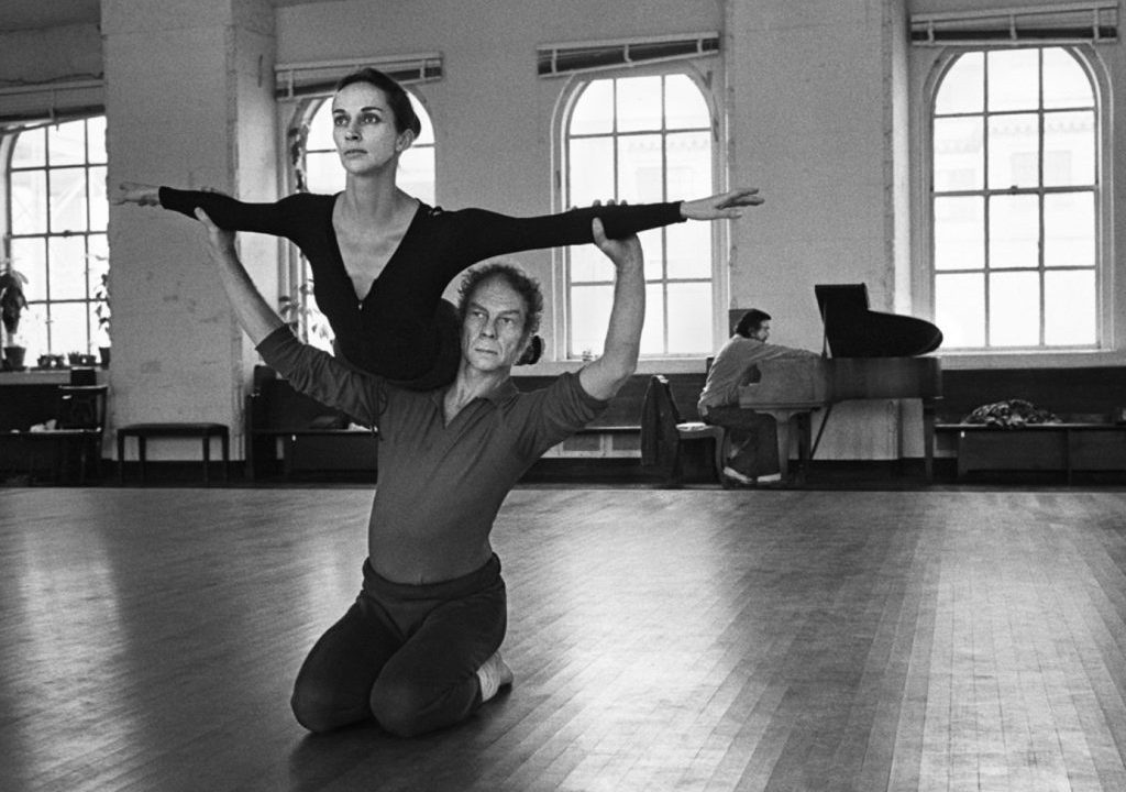 https://lacittaimmaginaria.com/wp-content/uploads/2019/04/Merce-Cunningham-with-Carolyn-Brown-at-Westbeth-1972-Wendy-Perron-1024x739-1024x720.jpg