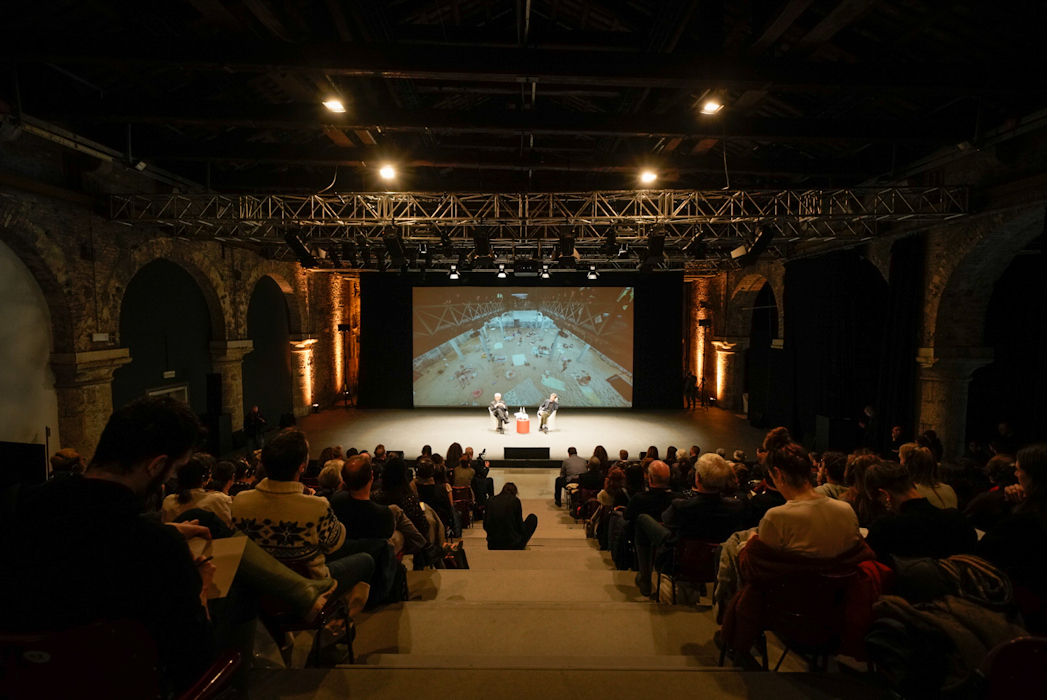 https://lacittaimmaginaria.com/wp-content/uploads/2019/11/Rid_AVZ93281-Photo-by-Andrea-Avezzù-Courtesy-of-La-Biennale-di-Venezia.jpg