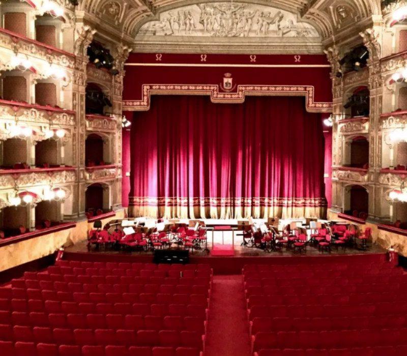 Opera a casa: Teatro Bellini Story