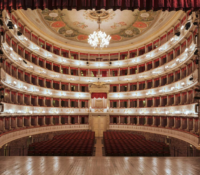 Teatro comunale Luciano Pavarotti in Live streaming
