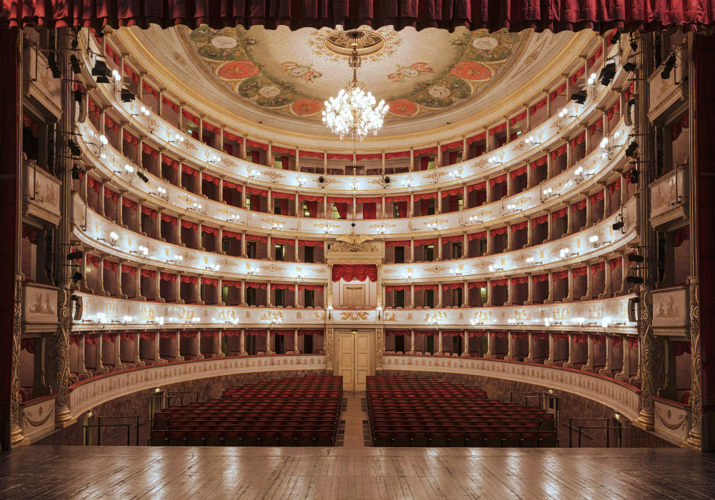 Teatro comunale Luciano Pavarotti in Live streaming
