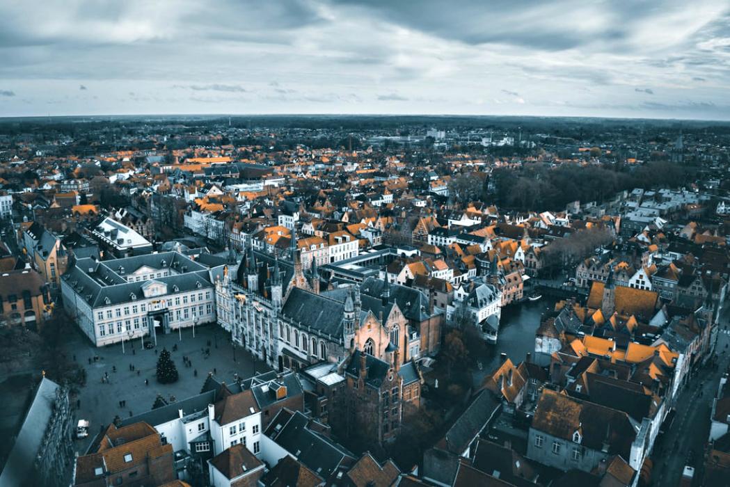 Le austere architetture di Bruges